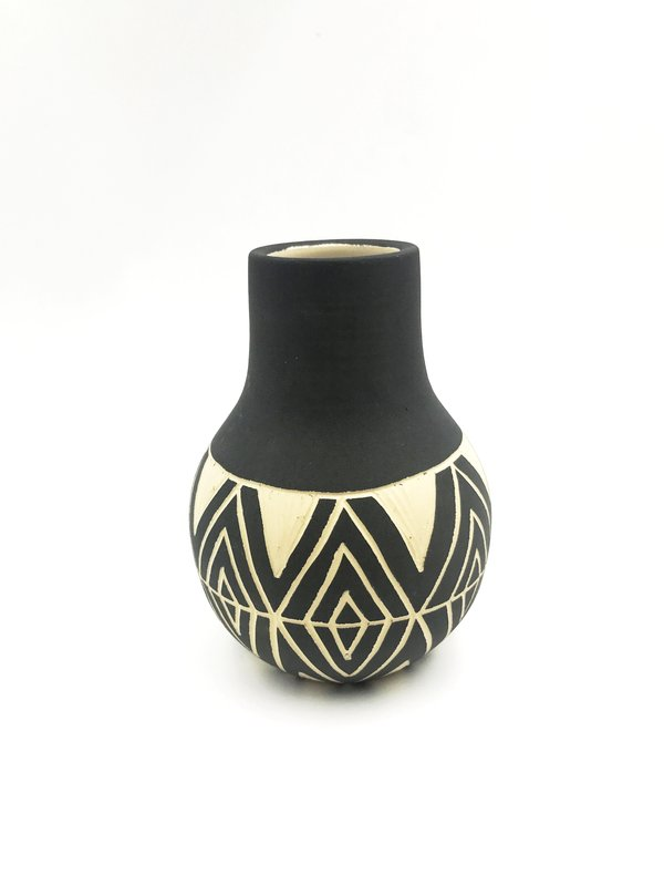 Yiyi Native Vase