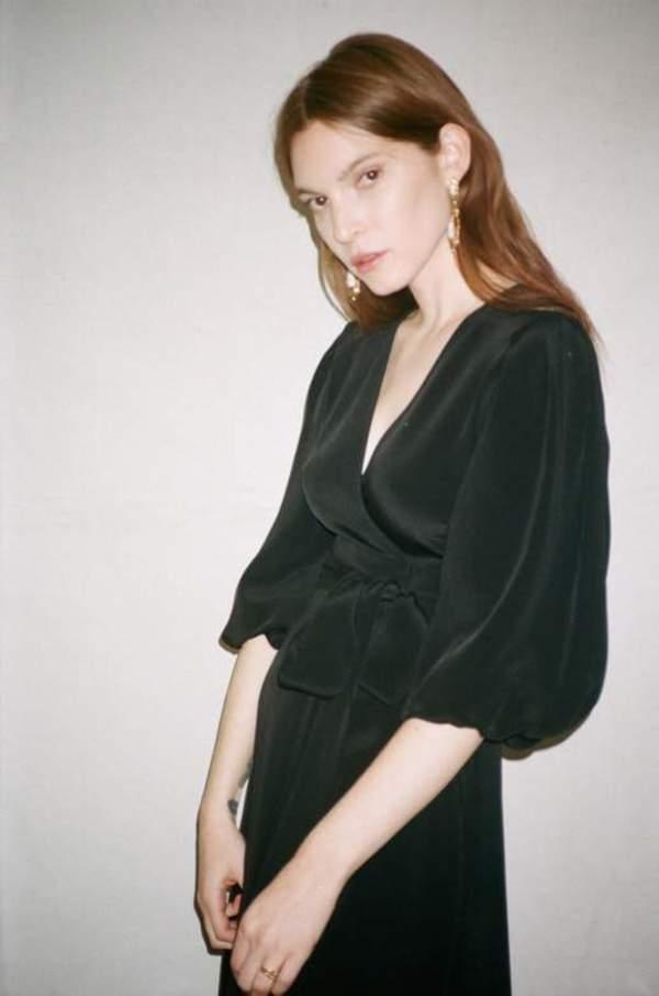 Kamperett LORETTA SILK WRAP DRESS - BLACK