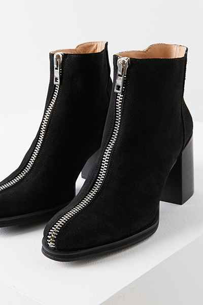 LOQ Suede Andorra Boot