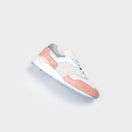 New Balance M997LBH - White/Soft Pink