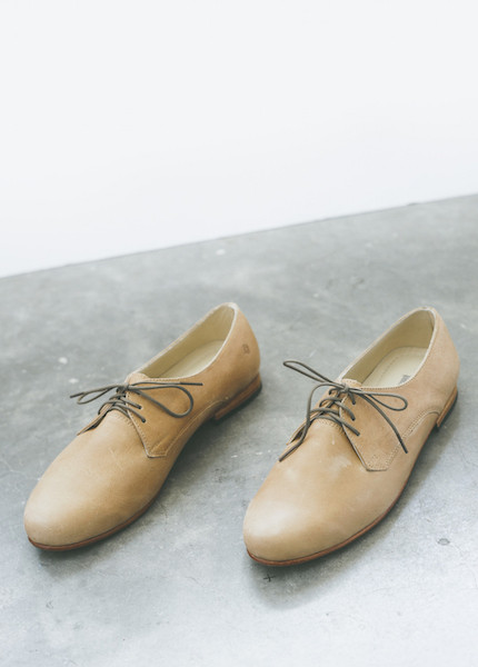 Nisolo Oliver Oxford in Almond