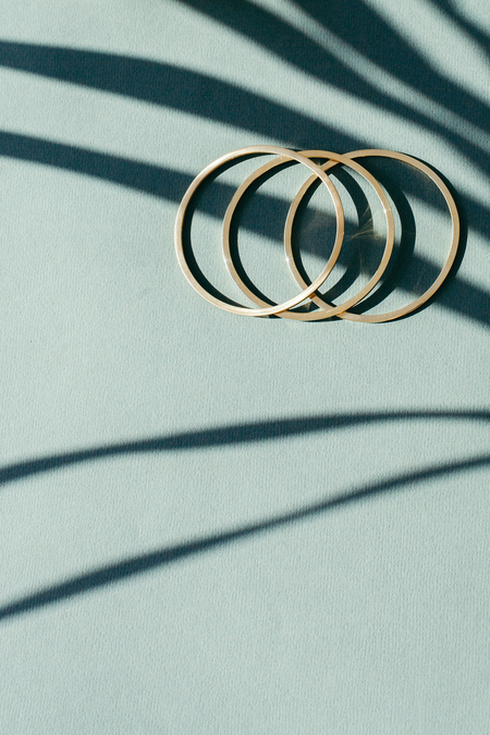 ADORN WIRE BANGLE - SOLID BRONZE