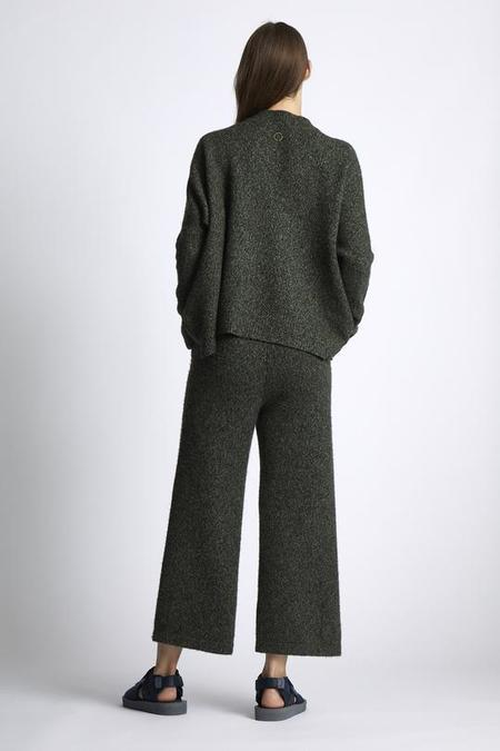 Unisex Oyuna Felice Knitted Cashmere and Silk Cropped Trousers - Moss