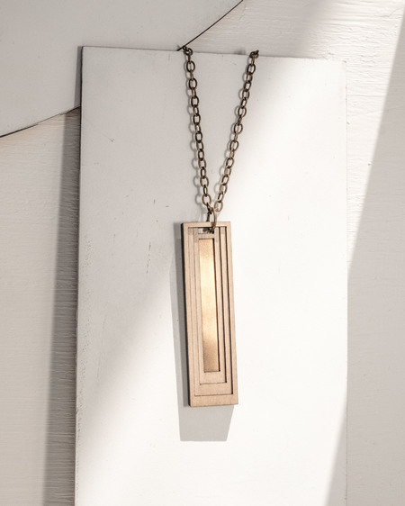 Fool's Gold nitokris long slender necklace - Brass/Wood