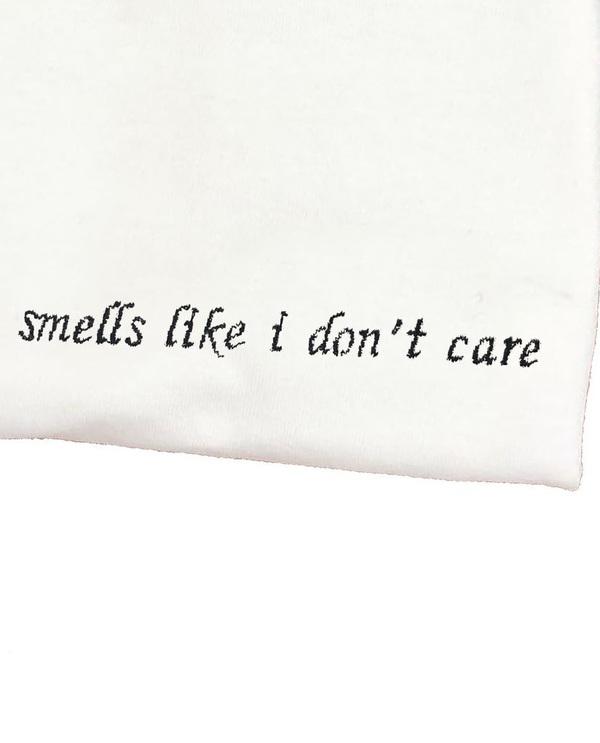 Unisex House of 950 smells like i don't care tee shirt