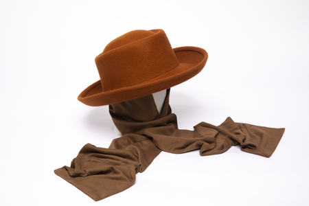 Clyde Gambler Hat W. Neck Scarf in Rust Wool