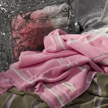 Købn Large Beach/Pool/Bath Towel - Hot Pink