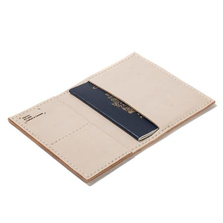 Alterior PR-006 Passport Wallet - Natural