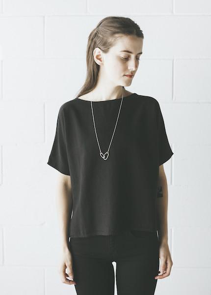 Me & Arrow - Sleeve Tee in Vintage Black