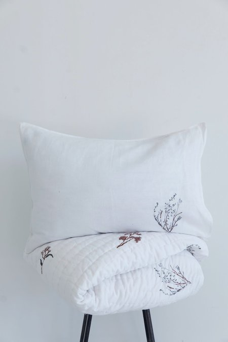 Karu Fynbos Linen Pillow Cover - White
