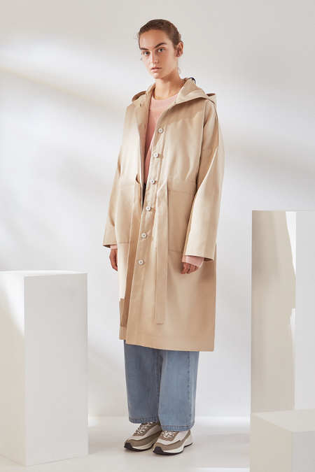 Kowtow Shelter Anorak in Sand Canvas