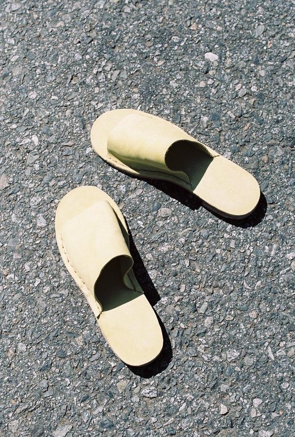Laura Schoorl Heel Slides - yellow suede