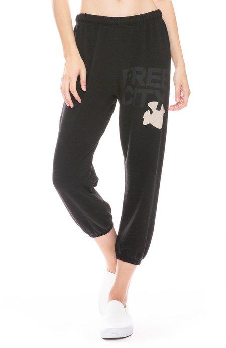 FreeCity Cropped Sweatpants