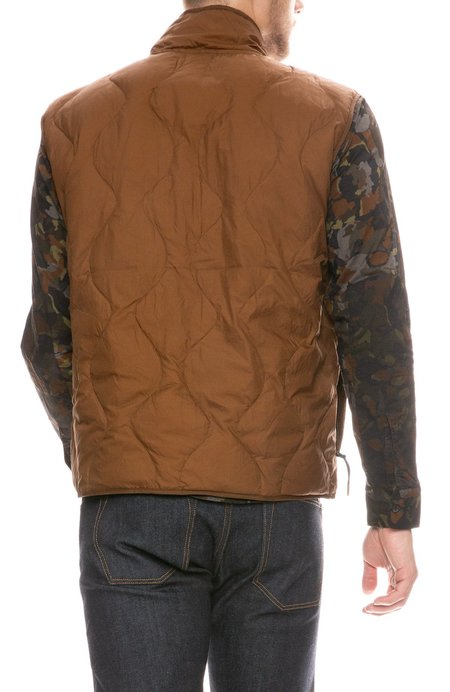 Billy Reid Onion Quilted Vest - Caramel
