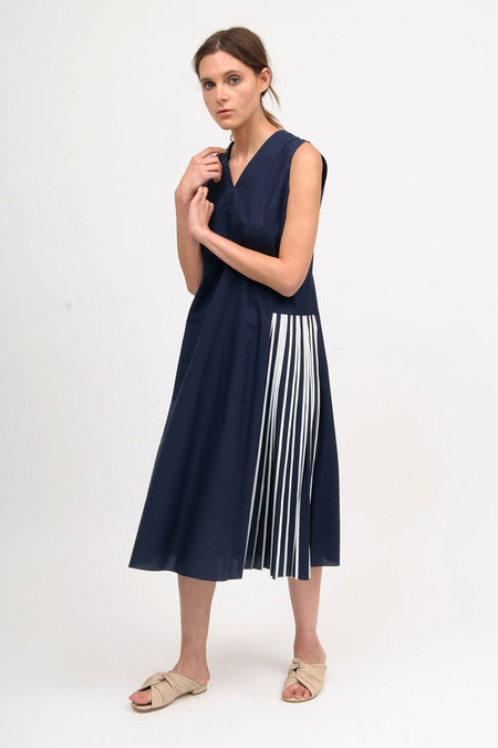 Bodice Pleated Dress - Navy/White