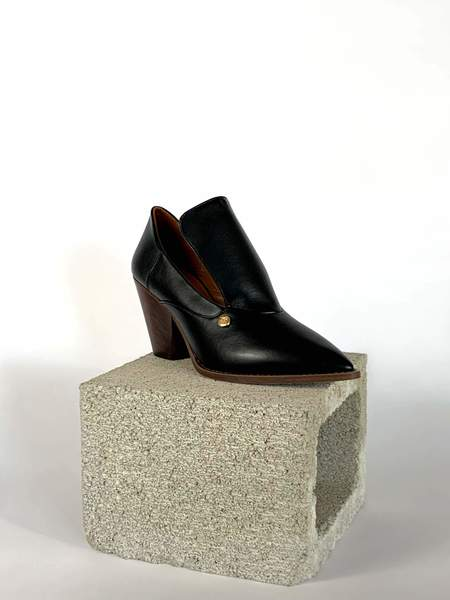 Taylor + Thomas Marianne Shoes - Black