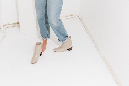 Mari Giudicelli Classic Boot - Beige/Putty