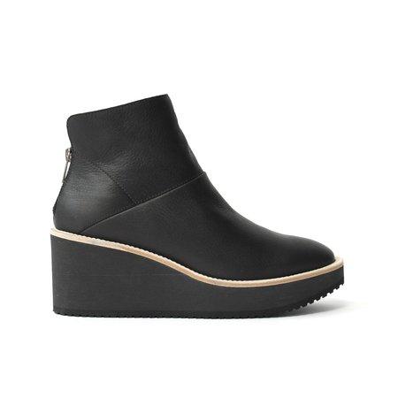 LD Tuttle The Bear Boots - Black