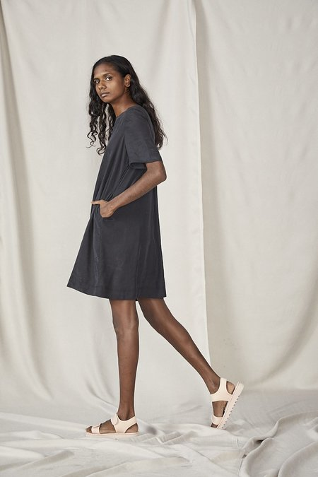 Lois Hazel Smooth Dress - Black