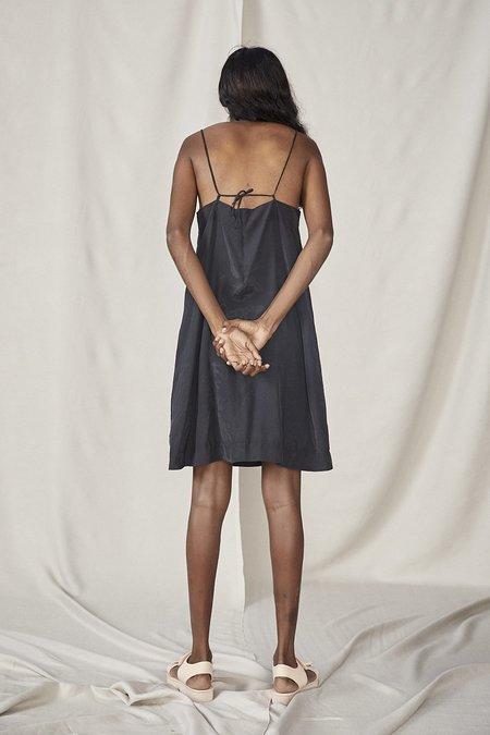 Lois Hazel Smooth Slip - Black