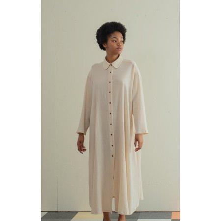 SUNJA LINK BELTED SHIRT DRESS - BEIGE