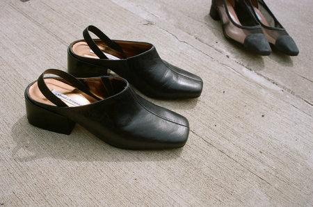 About Arianne Tilda slingbacks - black