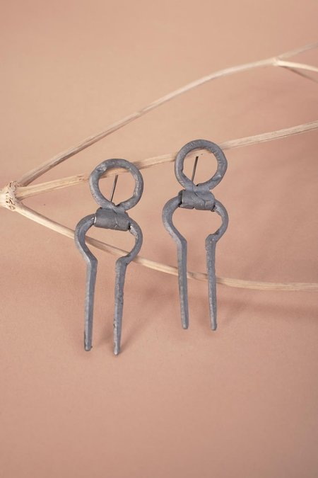 Mutter Metal Works Korban Earrings - Silver