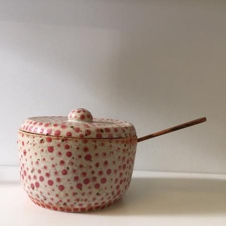 Eeli Pots Ceramics Honey Bowl w/ Spoon - Red Dot