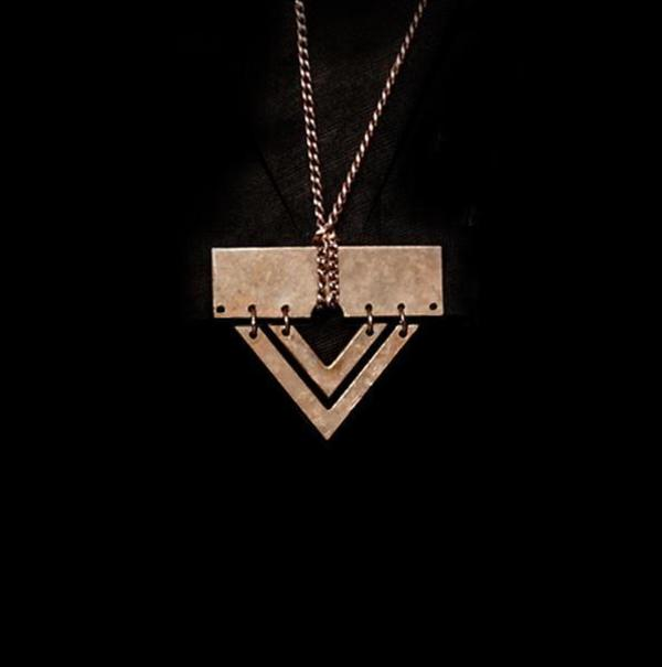 Metalepsis Projects A5 necklace - Unfinished bronze