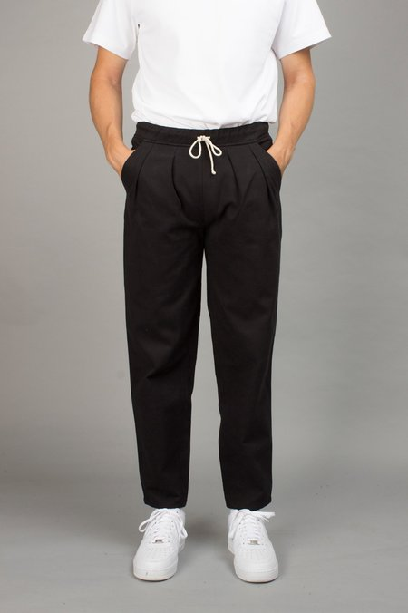 North Hill CARROT PANT - BLACK