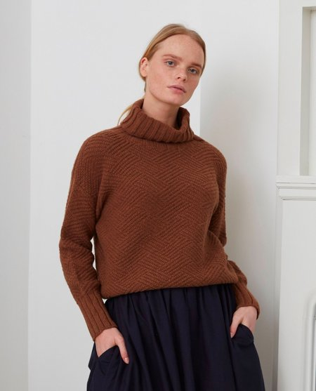 beaumont organic GLADYS Superfine Lambswool Jumper - Hazelnut