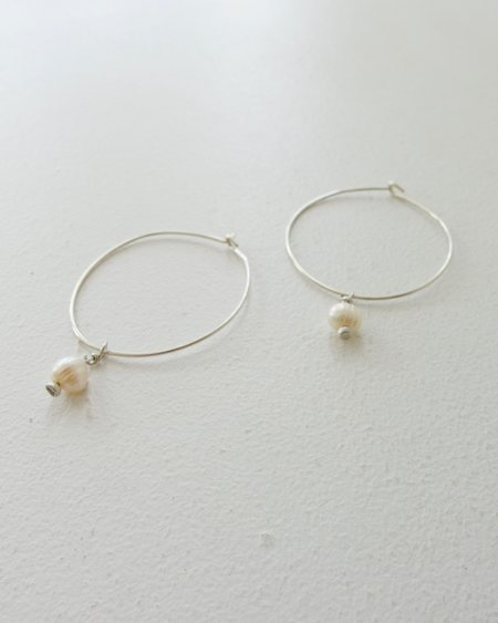 Argent Silversmith White Pearl Hoops - Sterling Silver