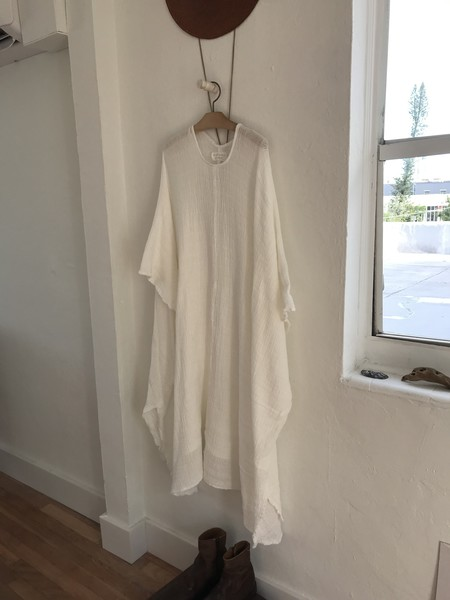 Golondrina of Mexico Gauze Poncho - White