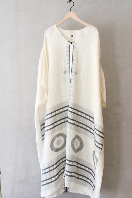 AISH USHA KAFTAN - White/Black