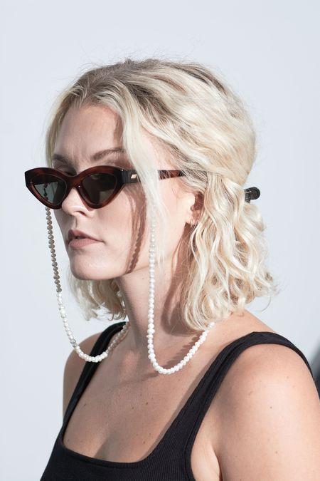 Donni. Pearl Sunglasses Chain - White
