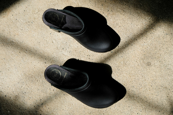 No.6 Old School Clog - High Heel - Black