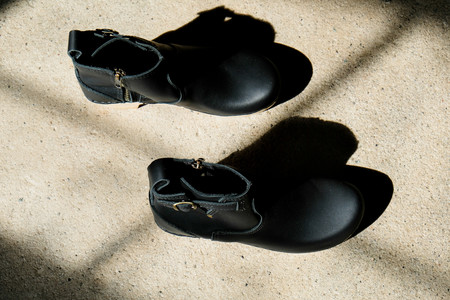 "No.6 5"" Buckle Boot Clog - Mid Heel - Black"