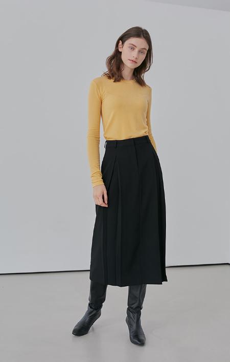 AMONG 2 Tuck Skirt - BLACK