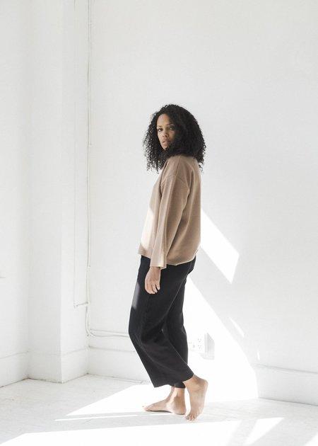 Me & Arrow Pleated Linen Pants - Black