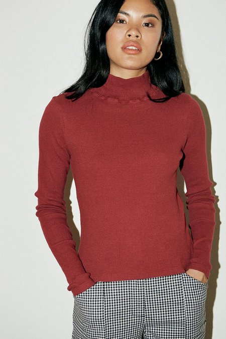 back beat rags Organic Cotton Ribbed Turtleneck - Berry