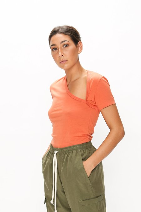 John Elliott Supima Asymmetrical Short Sleeve T-Shirt - Cardinal