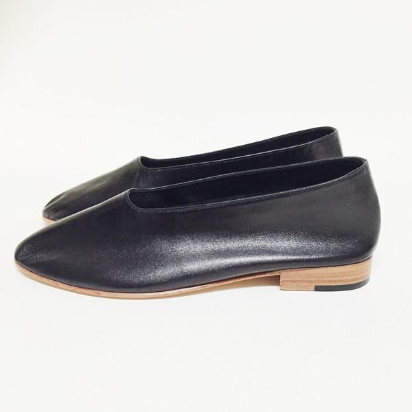 Martiniano Black Glove Flat