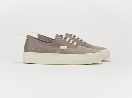 Common Projects Four Hole Article 4118 - Taupe