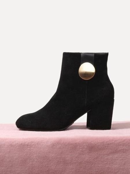 LAGRAZIA Elin Golden Metal Ankle Boots - black