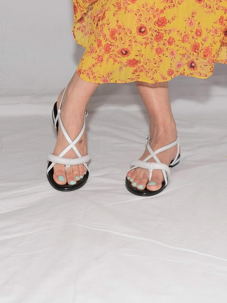 Ditole Hot Poppy Tong Sandals - Neon White