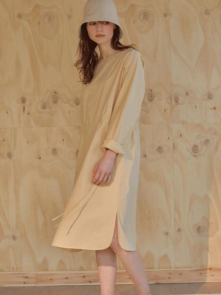 Cloclothes Modern Basic Dress - Vanilla Beige