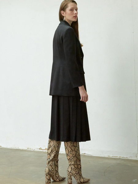NUVO.10 Asymmetric Pleats Skirt
