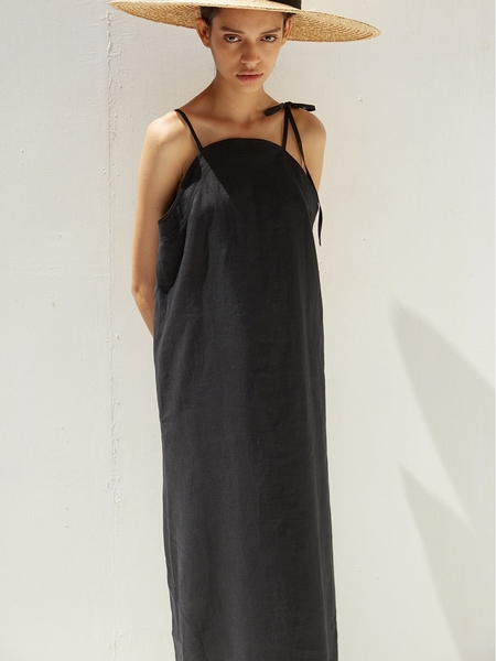 Ecommae Round Linen Long Dress - Black