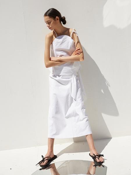 Ecommae Round Linen Blouse - White