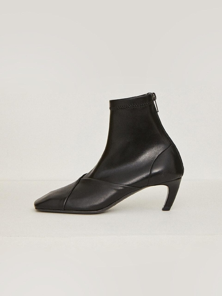LOW CLASSIC Square Boots - Black